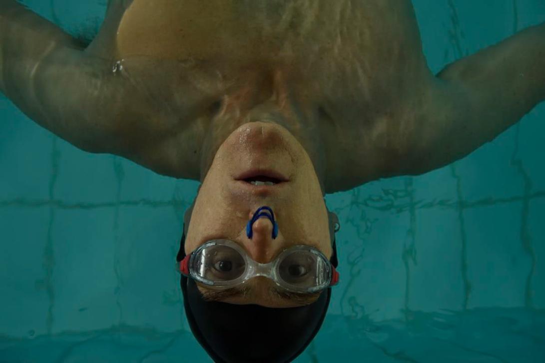 swimmingwithmen2018-still